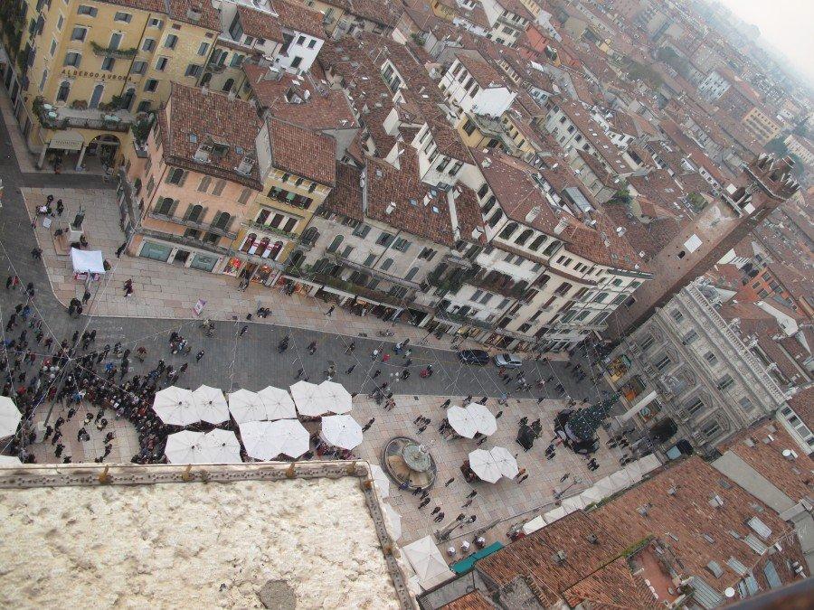Veduta dall' alto di piazza Erbe