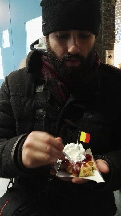 Ino e il suo adorato waffle- Flo' in viaggio