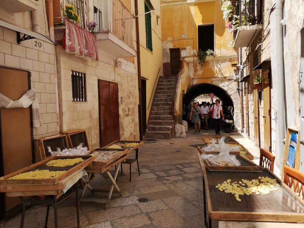 strada delle orecchiette Bari, Puglia