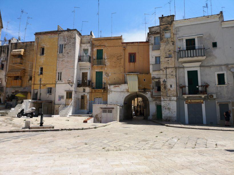Arco Alto, Bari