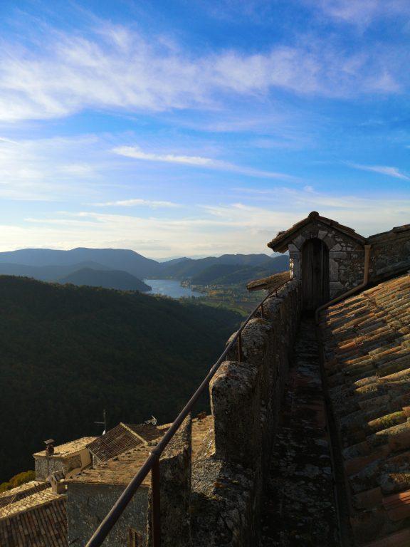 vista di lago di Piediluco dal bastione del Castello Nobili Vitelleschi